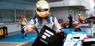 Alex Palou celebra su Pole en Fuji - SoyMotor