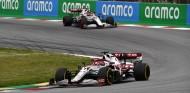 Alfa Romeo valora la posibilidad de no renovar a Räikkönen y dejar a Giovinazzi como líder del equipo - SoyMotor.com