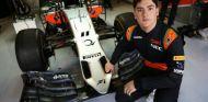 Alfonso Celis debuta con Force India en los test de Abu Dabi - LaF1