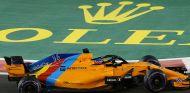 Fernando Alonso en Yas Marina - SoyMotor.com