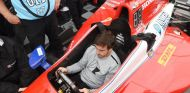 Fernando Alonso en su visita a Alabama - SoyMotor