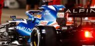 Un envoltorio de sándwich arruinó la primera carrera de Alonso