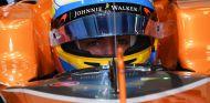 Alonso recibe los primeros consejos de expilotos de F1 e IndyCar - SoyMotor