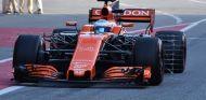Fernando Alonso solo pudo rodar una vuelta por la mañana - SoyMotor