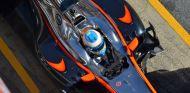 Fernando Alonso durante los test de Barcelona - LaF1es