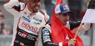 Fernando Alonso y Sébastien Buemi en Le Mans - SoyMotor.com