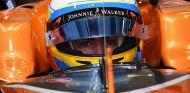 Alonso muestra parte de su casco para las 500 Millas de Indianápolis - SoyMotor.com