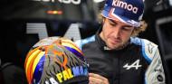 Alonso diseña un casco especial en solidaridad con La Palma  - SoyMotor.com