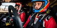 70 horas de sanción para Alonso por no acabar la tercera etapa - SoyMotor.com