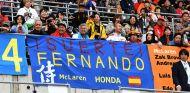 Pancartas en Suzuka en apoyo a Fernando Alonso - SoyMotor.com