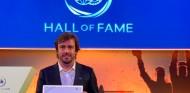 Alonso, primer piloto con doble presencia en el Salón de la Fama de la FIA