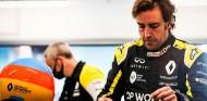 OFICIAL: Alonso se subirá hoy al Renault RS20 en Barcelona - SoyMotor.com