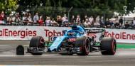 Fernando Alonso hace historia al ser el primero en rodar con un F1 en Le Mans - SoyMotor.com