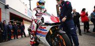 Alonso se sube a una MotoGP en el circuito de Motegi - LaF1