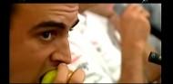 Manual de instrucciones para enfadar a Ron Dennis: cómo comer una fruta - SoyMotor.com