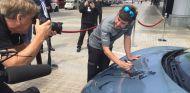 ¿Como revalorizar un McLaren 570S? ¡Que lo firme Alonso! - SoyMotor.com