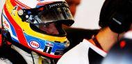 Alonso aún sufre algún dolor en las costillas - LaF1