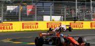 Alonso peleó con Ocon en el GP de Australia - SoyMotor
