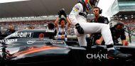Fernando Alonso en la parrilla de Suzuka - LaF1