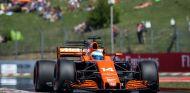 Alonso durante el GP de Hungría 2017 - SoyMotor.com