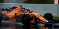 Fernando Alonso durante el Día 3 de test en Barcelona - SoyMotor.com