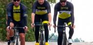Fernando Alonso sufre un atropello con la bicicleta en Suiza - SoyMotor.com