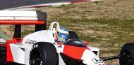 Fernando Alonso al volante del MP4-4 en Barcelona - LaF1