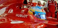 Domenicali pide a sus dos pilotos que respeten las reglas del equipo