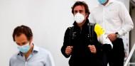 El camino de Alonso del hospital a Baréin: recuperación, dieta, ¿casco nuevo? - SoyMotor.com
