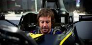 Fernando Alonso arranca octubre con más trabajo en Renault - SoyMotor.com