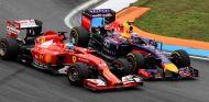 Adelantamiento de Daniel Ricciardo a Fernando Alonso en Hockenheim 2014 - SoyMotor.com