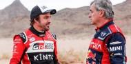 """Alonso: """"Compartir el Dakar con Sainz y que ganase fue muy bonito"""" - SoyMotor.com"""