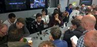 Fernando Alonso atiende a los medios en Silverstone - LaF1