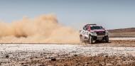 VÍDEO: Así ha sido el primer día de test de Alonso con el Toyota del Dakar
