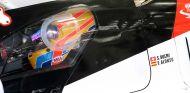 Fernando Alonso en el Toyota TS050 en Baréin - SoyMotor