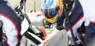 Fernando Alonso en el Toyota TS050 de 2017 - SoyMotor.com