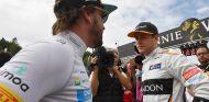 Fernando Alonso y Stoffel Vandoorne en Spa - SoyMotor.com