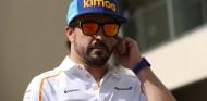 Alonso visita la fábrica de Woking –SoyMotor.com