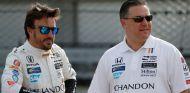 Fernando Alonso y Zak Brown en la Indy 500 – SoyMotor.comom