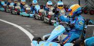 Fernando Alonso en su escuela de karting – SoyMotor.com