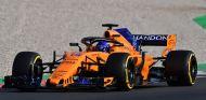 Fernando Alonso con el MCL33 –SoyMotor.com