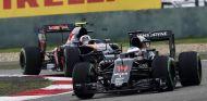 Fernando Alonso y Carlos Sainz - LaF1
