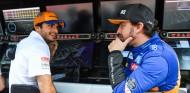 F1 por la mañana: Alonso y Sainz comparten box... por los test - SoyMotor.com