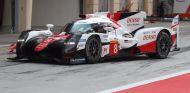 Fernando Alonso en su test con el Toyota LMP1 en Bareín – SoyMotor.com