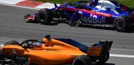 Fernando Alonso y Brendon Hartley en Montreal - SoyMotor.com