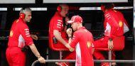 Maurizio Arrivabene y Sebastian Vettel en Hockenheim - SoyMotor.com