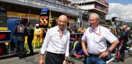 Peter Sauber y Helmut Marko en Barcelona - SoyMotor.com