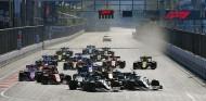 """Hamilton: """"Fui demasiado amable con Bottas en la Curva 1 de Bakú"""" - SoyMotor.com"""