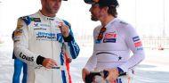 Jimmie Johnson y Fernando Alonso en Baréin - SoyMotor.com