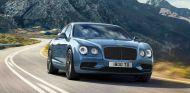 635 caballos y 820 Nm de par son los credenciales de su motor W12 de 6.0 litros biturbo - SoyMotor